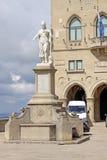 marino san Staty av frihet nära Palazzoen Pubblicco Royaltyfri Fotografi