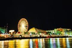Marinpir i Chicago på nattetid Royaltyfri Fotografi