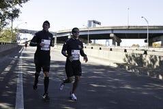 Mario Lopez lässt das New- York Citymarathon 2011 laufen lizenzfreies stockbild