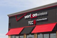 Marion, ADENTRO - circa julio de 2016: Ubicación de la venta al por menor de Verizon Wireless Verizon es una de las compañías más Fotos de archivo