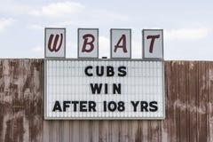 Marion - cerca do abril de 2017: A estação de rádio WBAT dos esportes 1400 AM comemora a vitória dos world series dos Chicago Cub fotografia de stock royalty free