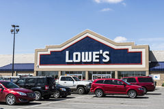 Marion - Circa April 2017: Lowe`s Home Improvement Warehouse. Lowe`s operates retail home improvement and appliance stores VI Royalty Free Stock Images