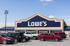 Marion - circa im April 2017: Lowe-` s Heimwerken-Lager Lowe-` s lässt Kleinheimwerken- und Gerätespeicher VI laufen Lizenzfreie Stockbilder