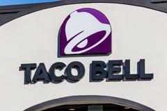 Marion - Circa Januari 2018: Läge för Taco Bell detaljhandelsnabbmat Taco Bell är ett dotterbolag av Yum! Märken royaltyfri foto
