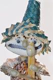 Marionet van zeeschelpen wordt gemaakt die stock afbeeldingen