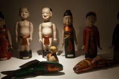 Marionetas tradicionales del teatro de Wayang Golek del Javanese que son vendidas como sourvenirs en Java imagen de archivo libre de regalías