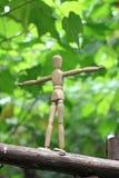 Marionnette sur le faisceau d'équilibre Images stock