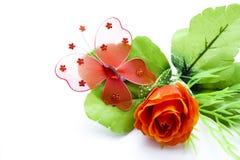 Mariposa de la flor en la flor roja Foto de archivo