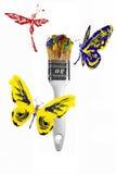 Mariposas rojas y libélulas azules amarillas que vuelan sobre paintbr ilustración del vector