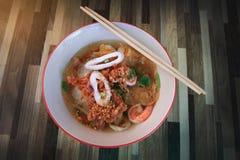 Marisco Tom Yum Noodle da rua fotos de stock royalty free