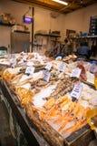 Mariscos en el mercado de la ciudad, Londres imagen de archivo