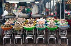 Mariscos en el mercado de la comida en Vietnam Foto de archivo
