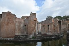 Maritiem theater, de Villa van Hadrian, Tivoli, Italië, 26 November, Stock Afbeeldingen