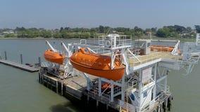 Maritieme en Zeeveiligheidsreddingsboot Opleidingspier stock video