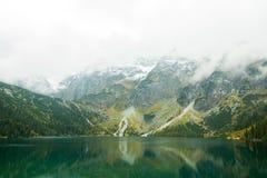 Maritimt öga i de Tatras bergen - Polen arkivfoton