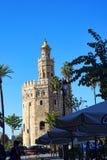 Maritimt museum i det guld- tornet på bankerna av floden Guadalquivir i Seville Spanien royaltyfria bilder