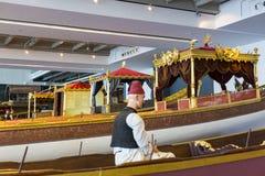 Maritimt museum i Istanbul som sticker forntida fartygturksultan royaltyfria bilder