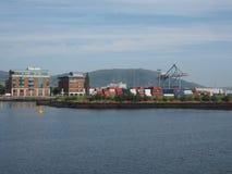 Maritimt nav för Belfast hamn i Belfast arkivfoto