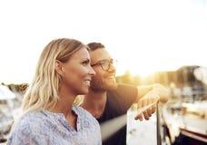 Marito e moglie che godono della vita fotografia stock libera da diritti