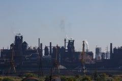 MARIUPOL, UCRÂNIA - 5 DE SETEMBRO DE 2016: Fundições de ferro e de aço de Azovstal fotos de stock royalty free