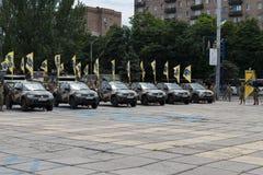 Mariupol, Ucraina 12 giugno 2016 la parata dedicata al secondo anniversario della liberazione della città di Mariupol fotografie stock