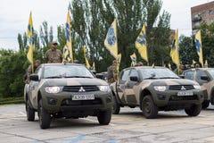 Mariupol, Ucraina 12 giugno 2016 la parata dedicata al secondo anniversario della liberazione della città di Mariupol fotografie stock libere da diritti