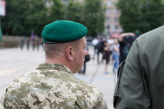 Mariupol, Ucraina 12 giugno 2016 la parata dedicata al secondo anniversario della liberazione della città di Mariupol fotografia stock libera da diritti