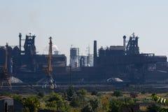 MARIUPOL, UCRAINA - 5 SETTEMBRE 2016: Impianti d'acciaio di ferro di Azovstal e immagine stock libera da diritti