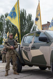 Mariupol, Ukraina Czerwiec 12 2016 parada dedykująca drugi rocznica wyzwolenie miasto Mariupol Obrazy Royalty Free