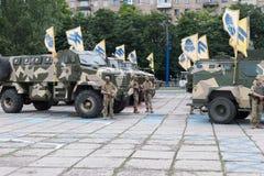 Mariupol, Ukraina Czerwiec 12 2016 parada dedykująca drugi rocznica wyzwolenie miasto Mariupol Obrazy Stock