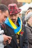 Mariupol Ukraina -, May 03 2015 det offentliga mötet för demilitariseringen av Shirokino Royaltyfria Foton