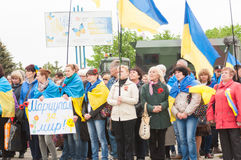 Mariupol, Ukraine -, 03 kann 2015 die öffentliche Versammlung für die Entmilitarisierung von Shirokino Stockbild