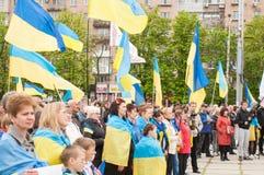 Mariupol, Ukraine -, 03 kann 2015 die öffentliche Versammlung für die Entmilitarisierung von Shirokino Lizenzfreie Stockbilder