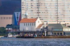 Marizon rozrywka z Momochi plażą i kaplica Zdjęcie Royalty Free