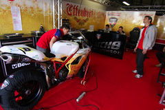 Mark Aitchison #8 su Ducati 1098R Team Effenbert Liberty Racing Superbike WSBK immagini stock