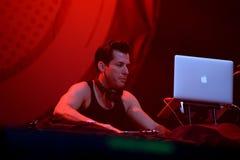 Mark Ronson (bande) de concert au festival de BOBARD Image stock