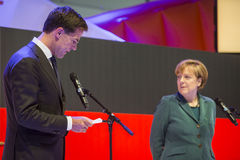 Mark Rutte e Angela Merkel que abrem Hanover Messe Fotos de Stock Royalty Free