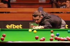 Mark Selby van Engeland neemt aan snooker deel toont de Elf 30 Reeksen stock afbeeldingen
