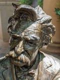 Mark Twain in bronzo immagini stock