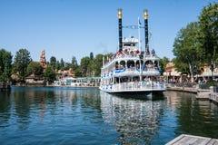 Mark Twain Riverboat på Disneyland, Kalifornien Fotografering för Bildbyråer