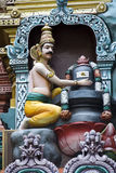 Markandeya που αγκαλιάζει το Λόρδο Shiva Στοκ εικόνα με δικαίωμα ελεύθερης χρήσης