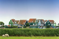 Marken的五颜六色的老房子,荷兰 免版税库存图片