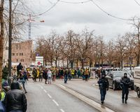 Marken gießen Marsch Le Climat, auf französischer Straße sich zu schützen lizenzfreie stockfotos