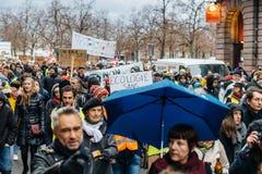 Marken gießen Marsch-Protestdemonstration Le Climat auf französischem stre lizenzfreie stockbilder