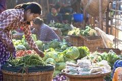 market myanmar nyaung u Royaltyfri Bild