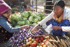market myanmar nyaung u Royaltyfria Bilder
