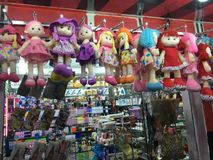 market& x28; souk& x29;义卖市场在旅游城市Ouargla阿尔及利亚 传统布料纪念品市场是 免版税库存照片