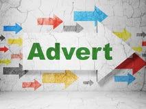 Marketing concept: pijl met Advertentie op de achtergrond van de grungemuur Royalty-vrije Stock Afbeeldingen