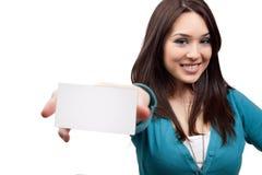 Marketing-Konzept - Frau und Visitenkarte Lizenzfreie Stockfotos
