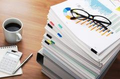 Marketingowa dane analiza tabela drewna Fotografia Stock